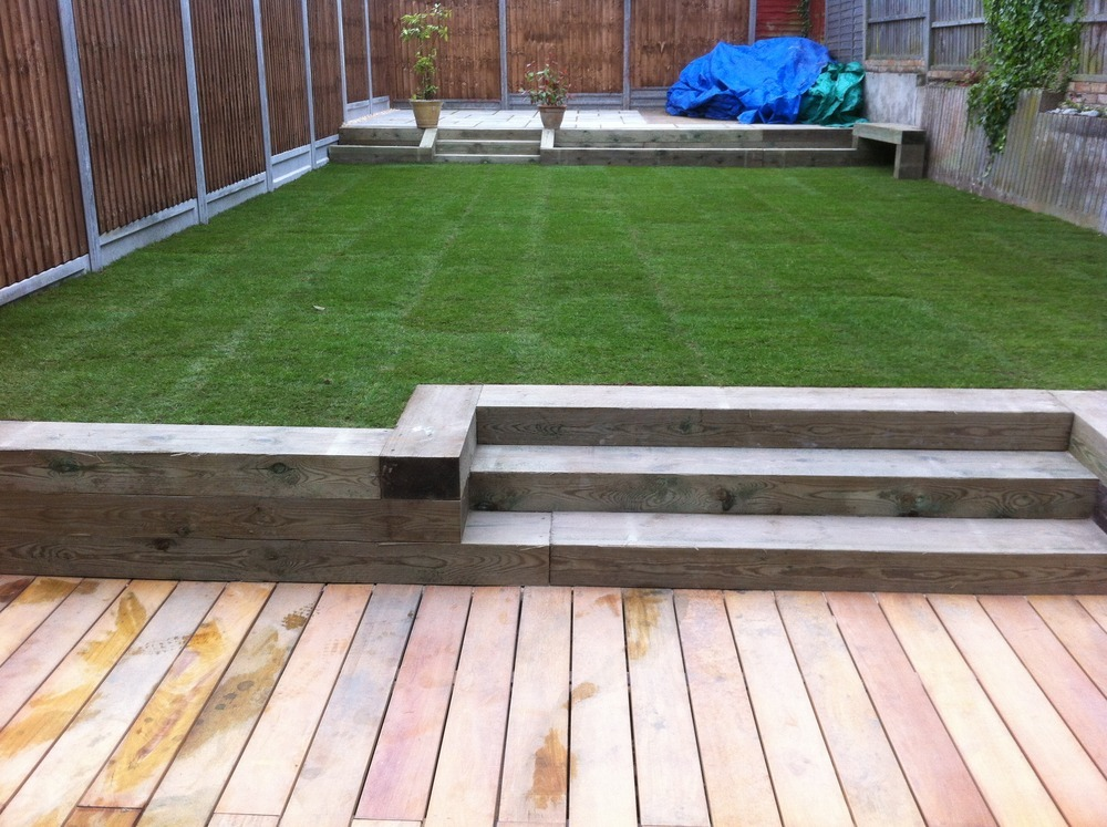 Landscape gardener driveway paver bricklayer in chingford for Garden decking and grass ideas