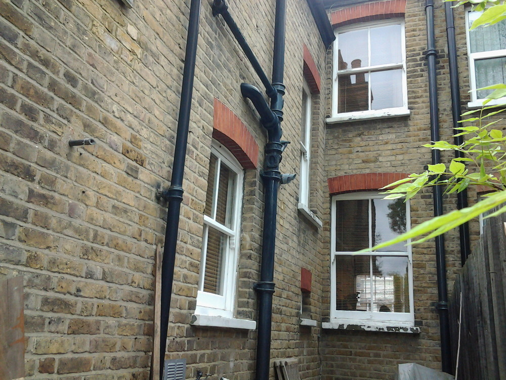 Paint Exterior Of 2 Bed Victorian Terraced House