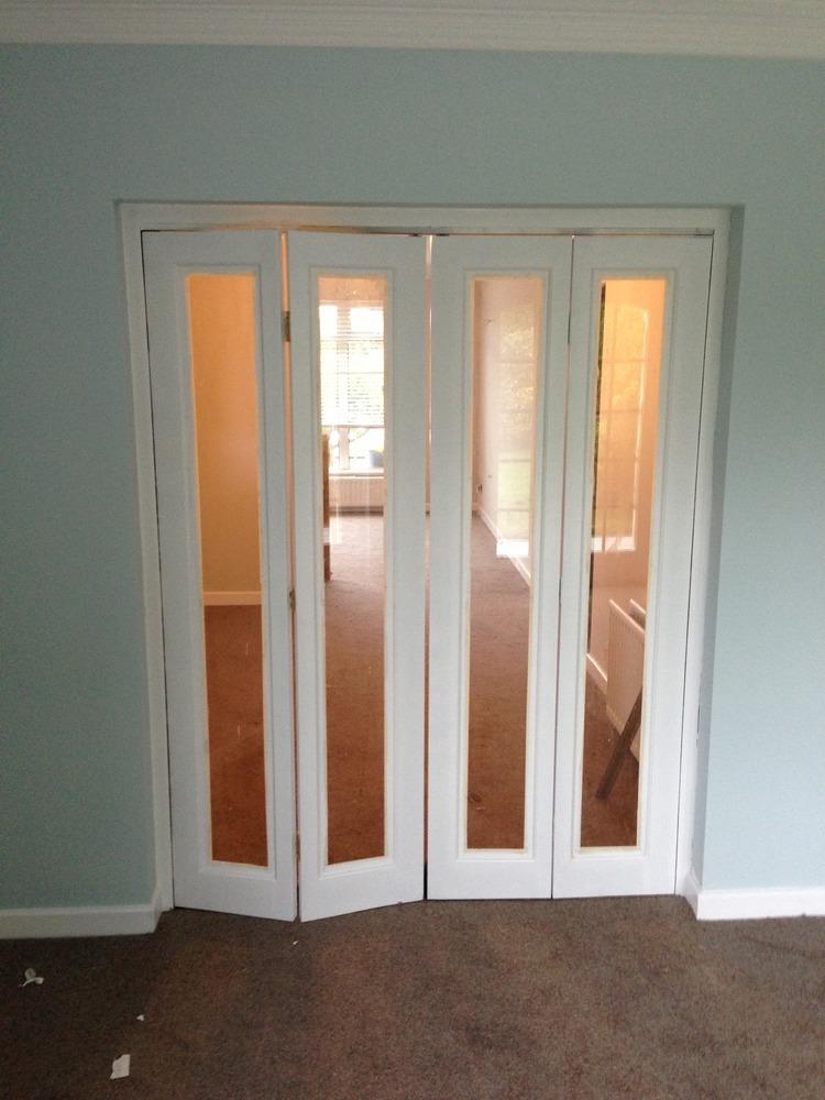 Laminate flooring trim around laminate flooring for Laminate floor trim