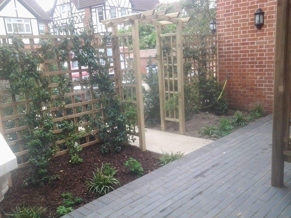 Landscape Garden Leigh On Sea : Mts landscaping ltd feedback landscape gardener fencer