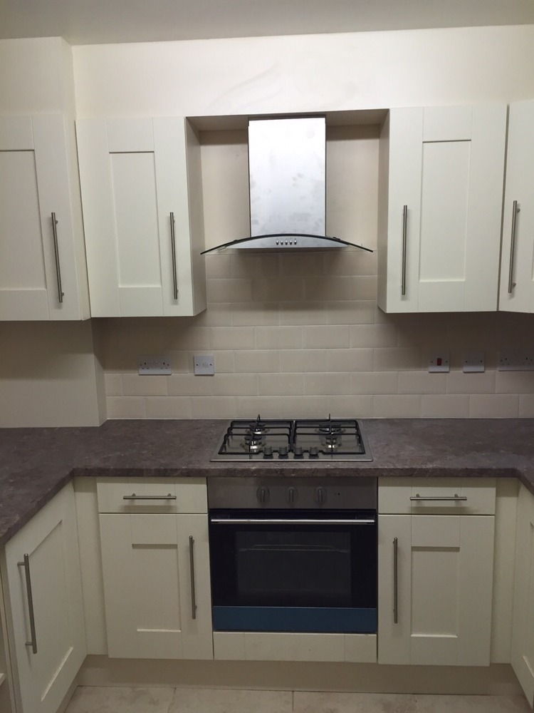 Avalon interior designs 100 feedback kitchen fitter for Avalon kitchen cabinets