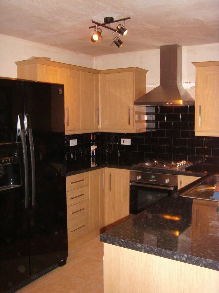 A joiner 100 feedback carpenter joiner kitchen for Oak fitted kitchen