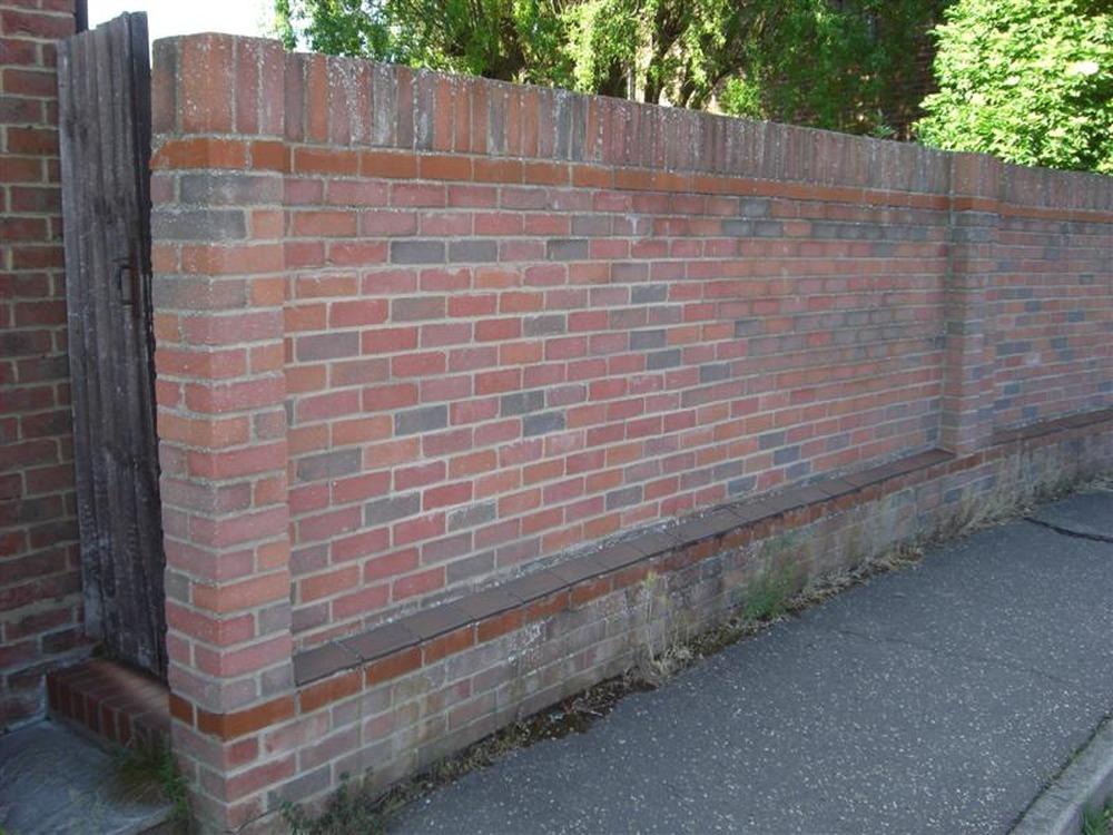 Rebuild Brick Garden Wall Bricklaying Job In Chelmsford