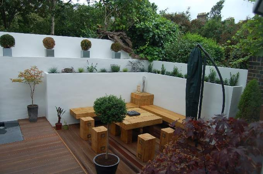 Re Render Garden Wall Plastering Job In Richmond Surrey
