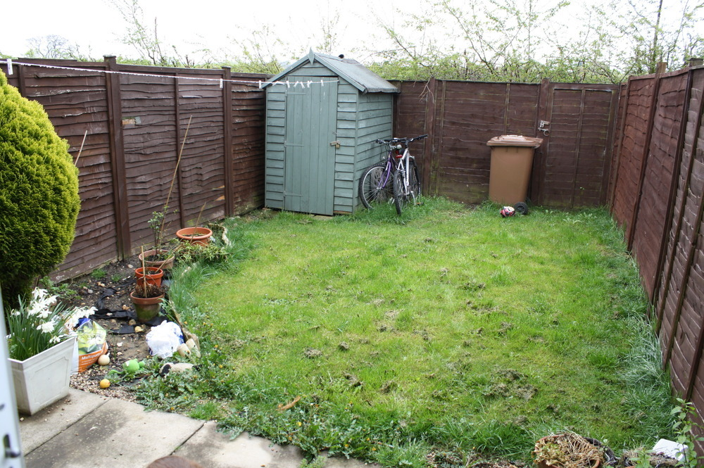 Small garden landscaping landscape gardening job in for Small garden landscape
