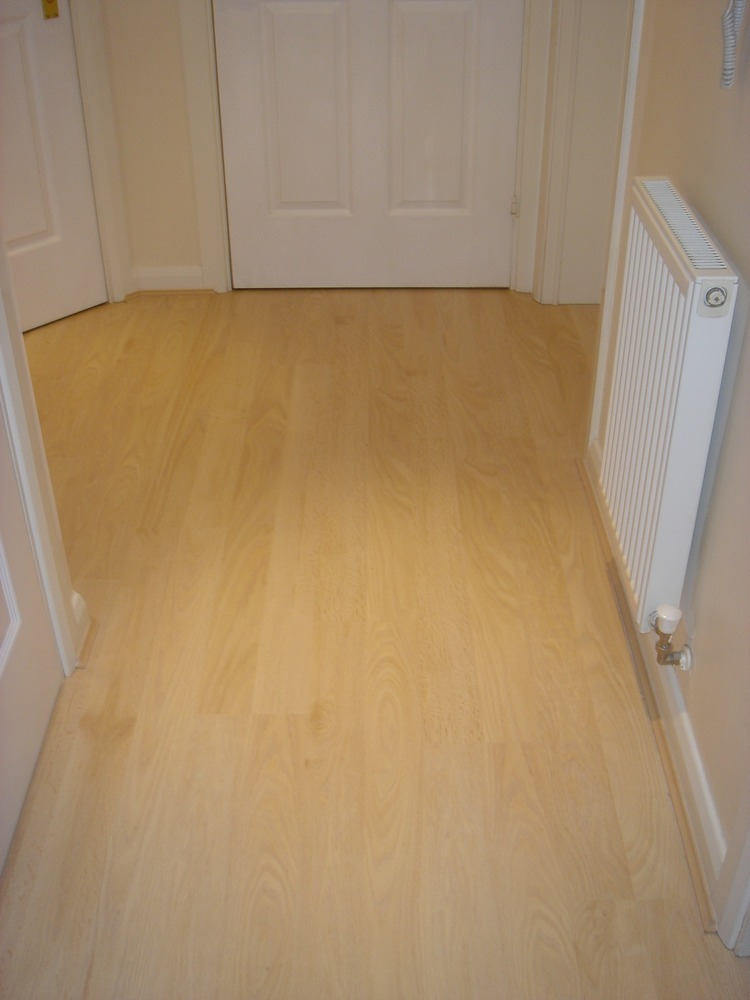Laminate flooring cheap laminate flooring redditch for Cheap laminate wood flooring