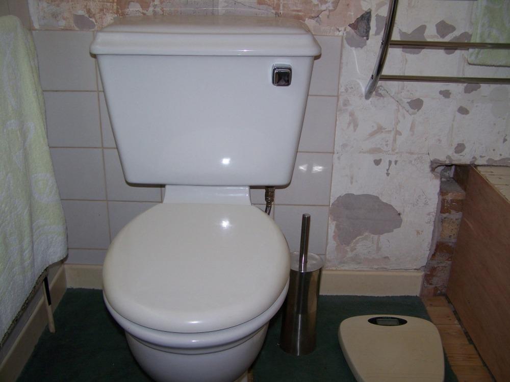 Move toilet sideways cast iron soil pipe plumbing job for Bathroom builders liverpool