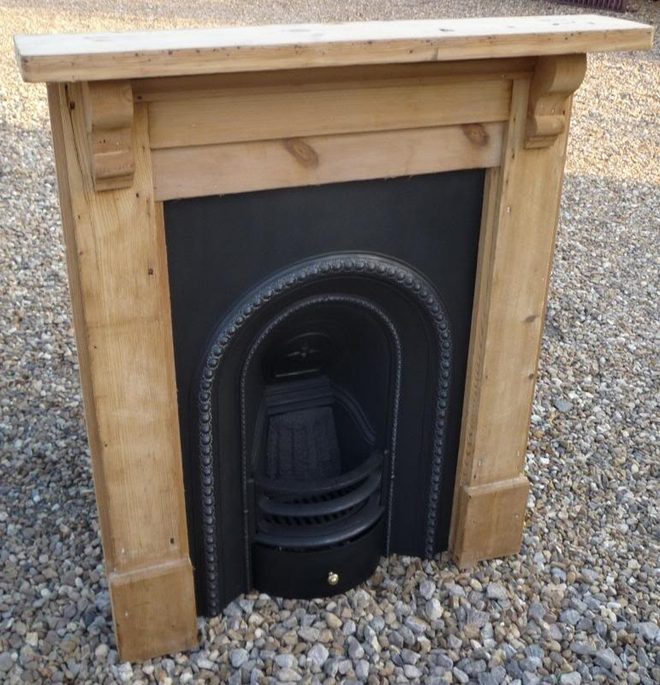 Small Bedroom Fireplaces Similiar Fireplace Surrounds For Small Rooms Keywords