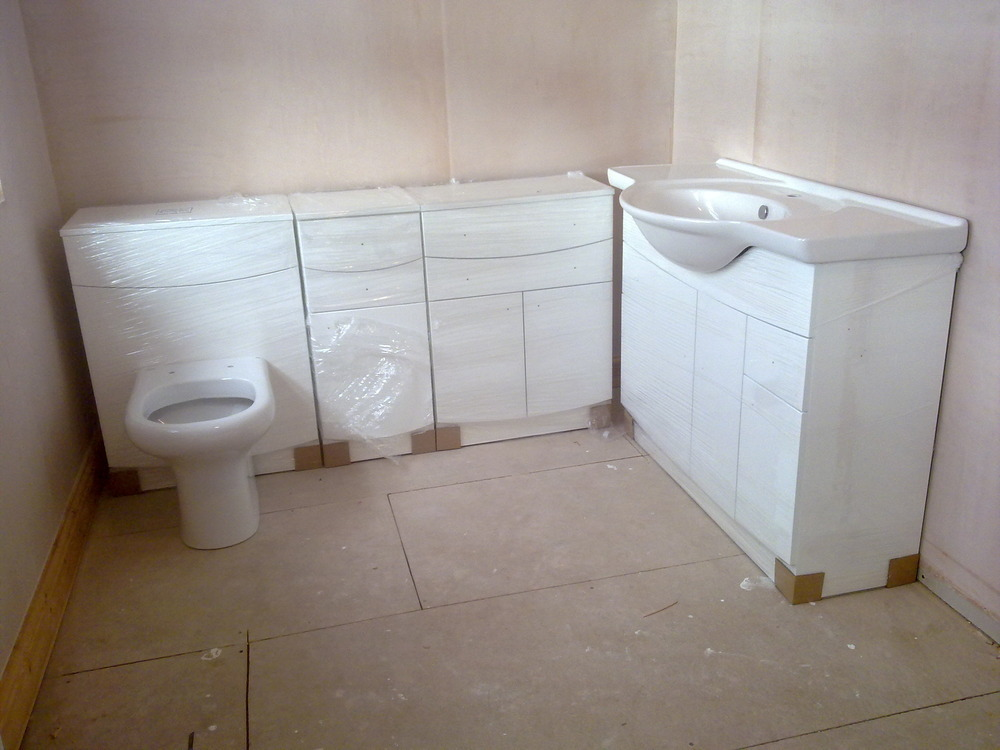 Bathroom Units, Sink and Toilet to be fitted. - Bathroom Fitting job ...