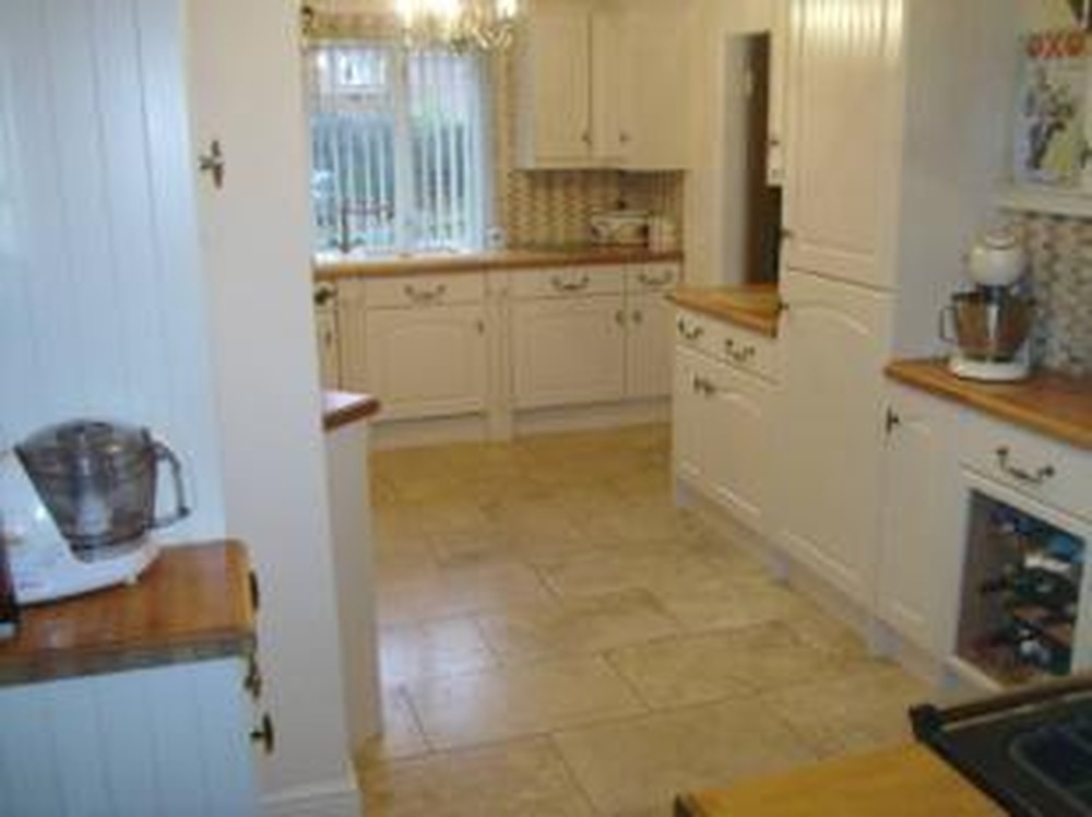 Wonderful Tiler, Kitchen Fitter, Bathroom Fitter in Caithness 1000 x 748 · 83 kB · jpeg
