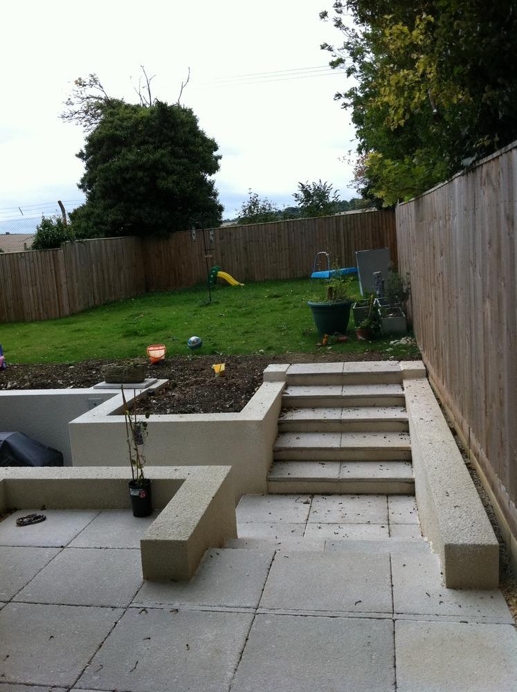 Teambuilder and garden designs 100 feedback bricklayer for Rendered garden wall designs