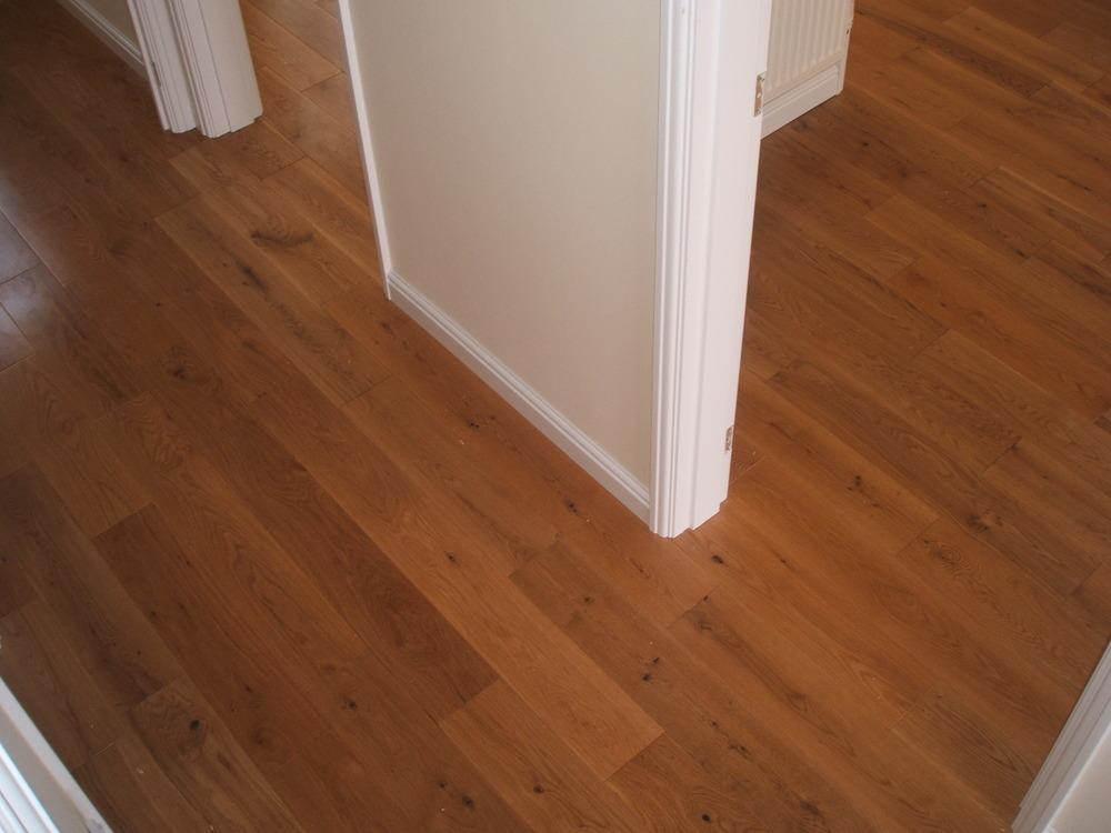 Laminate flooring good value laminate flooring for Good laminate flooring