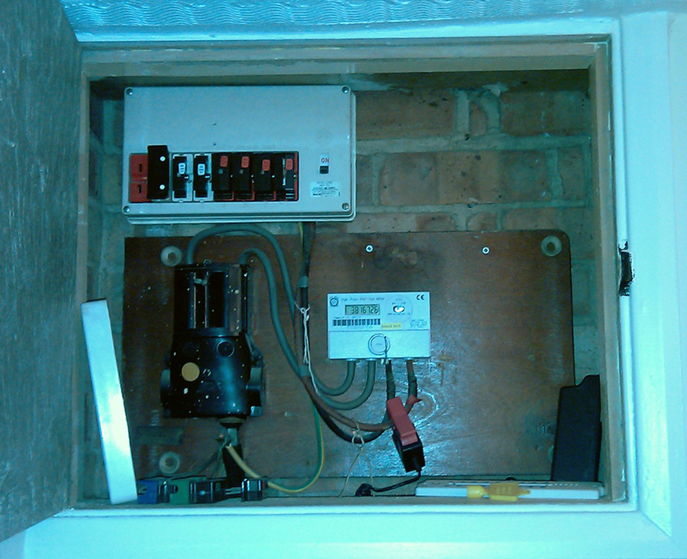 Replace fuse box with consumer unit electrical job in