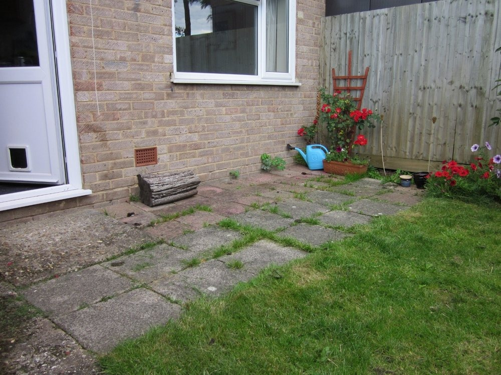 replacement of small back garden patio driveways job in reading