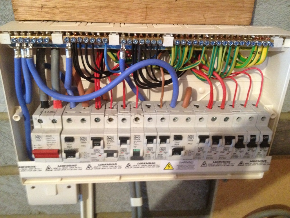 r cunningham electrical services 100 feedback electrician in benfleet