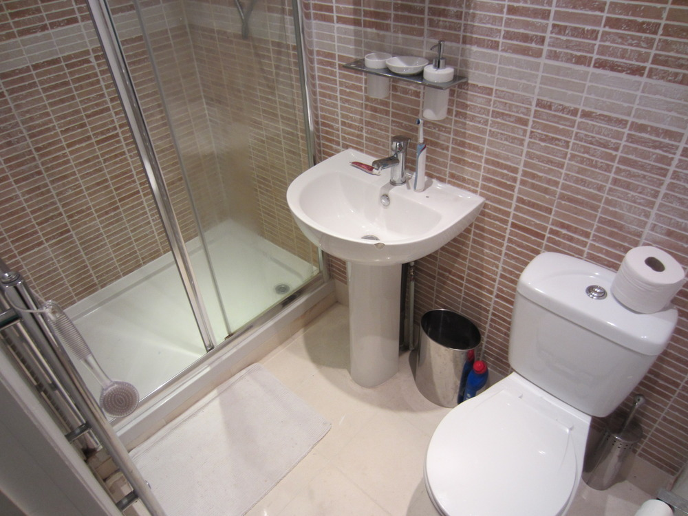 Refit of 2 small shower ensuites and small bathroom for Small ensuite bathroom