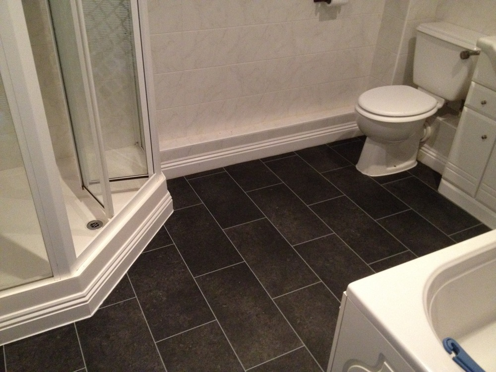 L p carpets 100 feedback carpet fitter flooring for Vinyl flooring bathroom