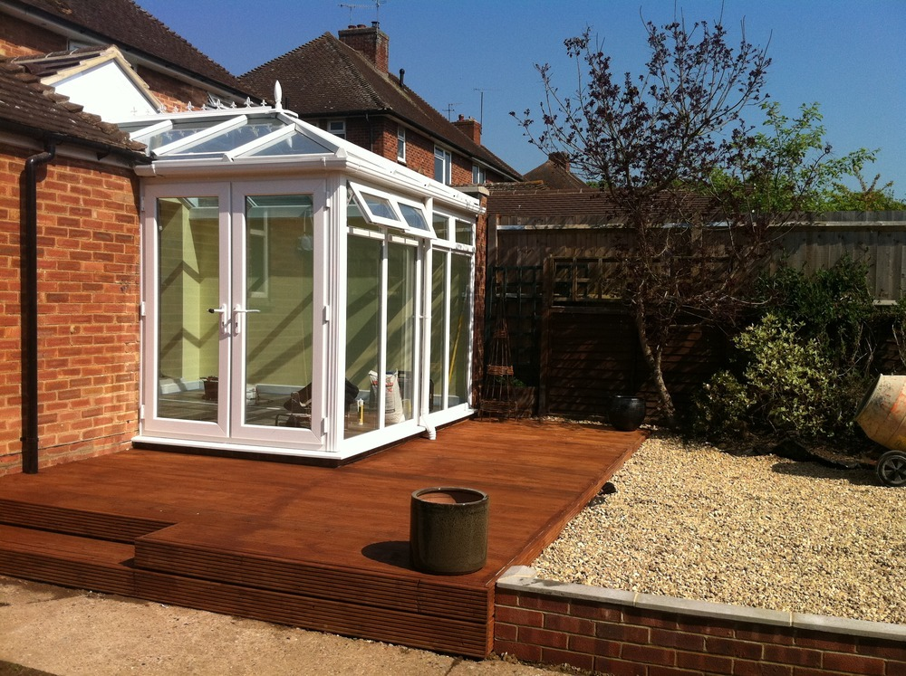 S e builders property maintenance 100 feedback for Decking at end of garden