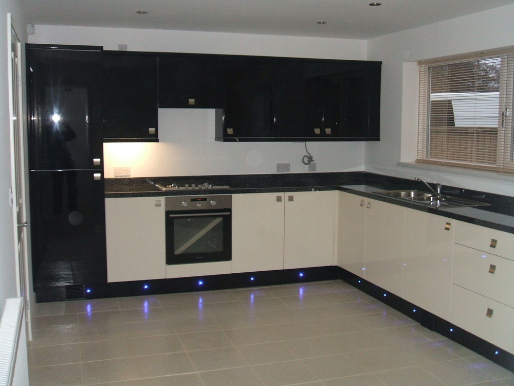 Integrated Kitchen Appliances Wilson Property Maintenance 100 Feedback Kitchen Fitter Plasterer