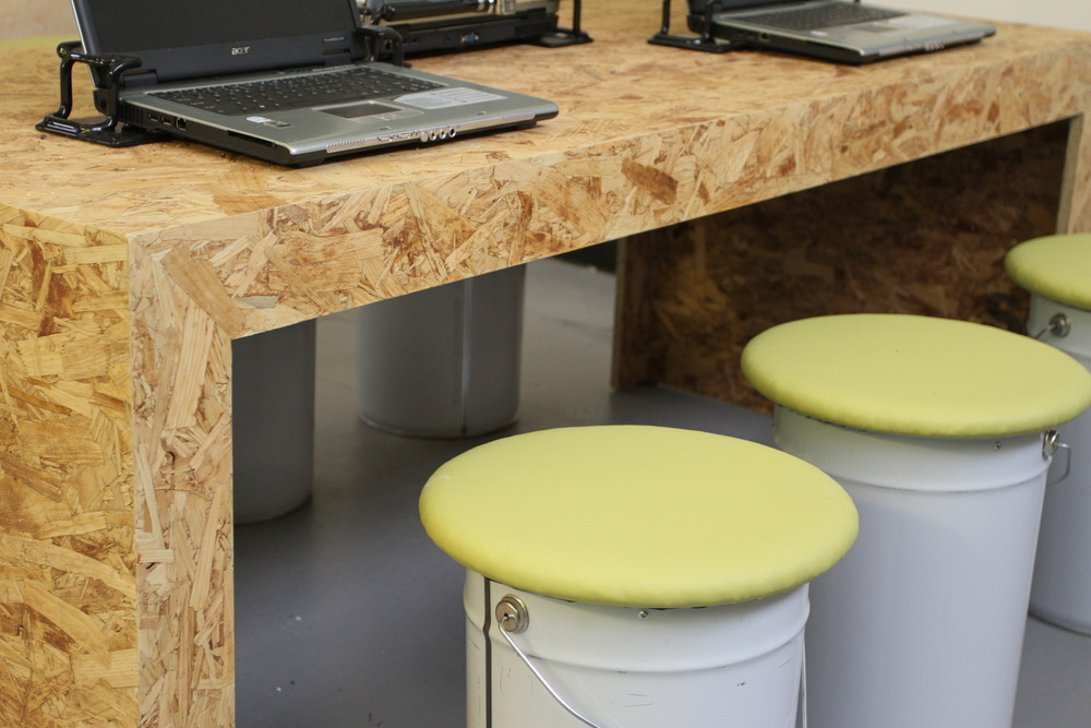 Osb desk bricolage pinterest for Table exterieur osb