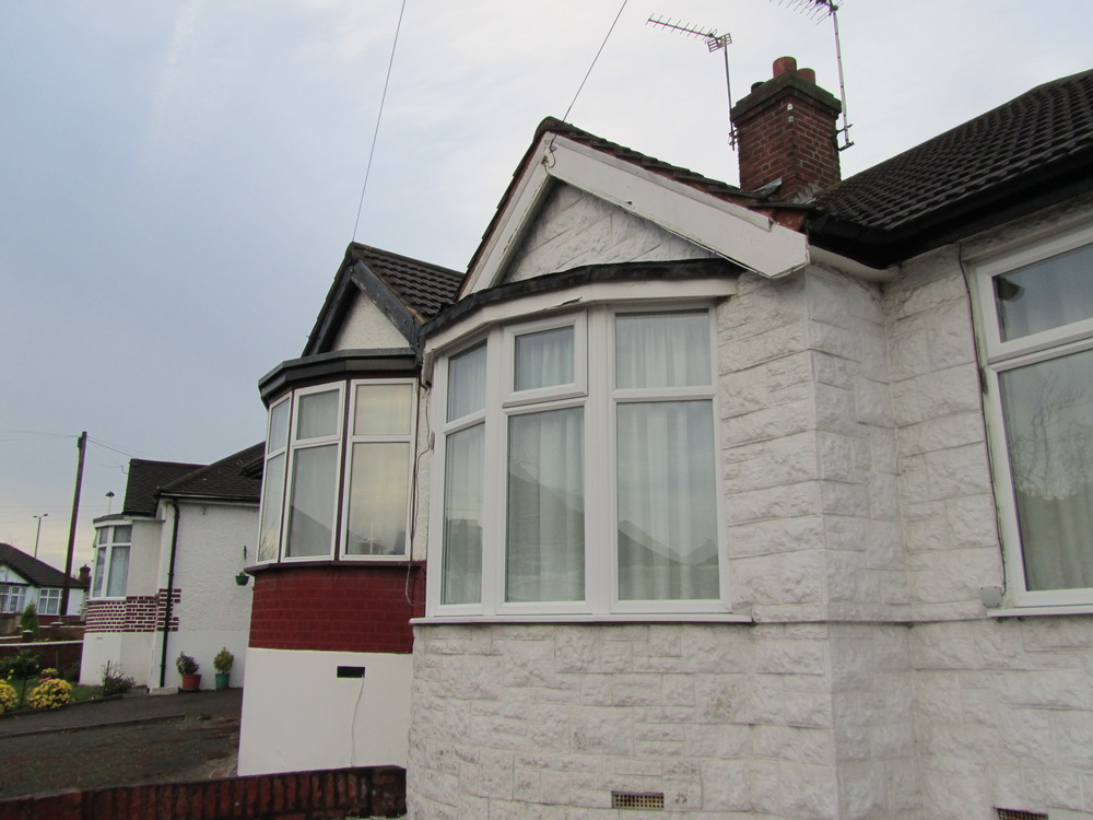 Mould on roof of bay window may indicate leak? - Roofing ...
