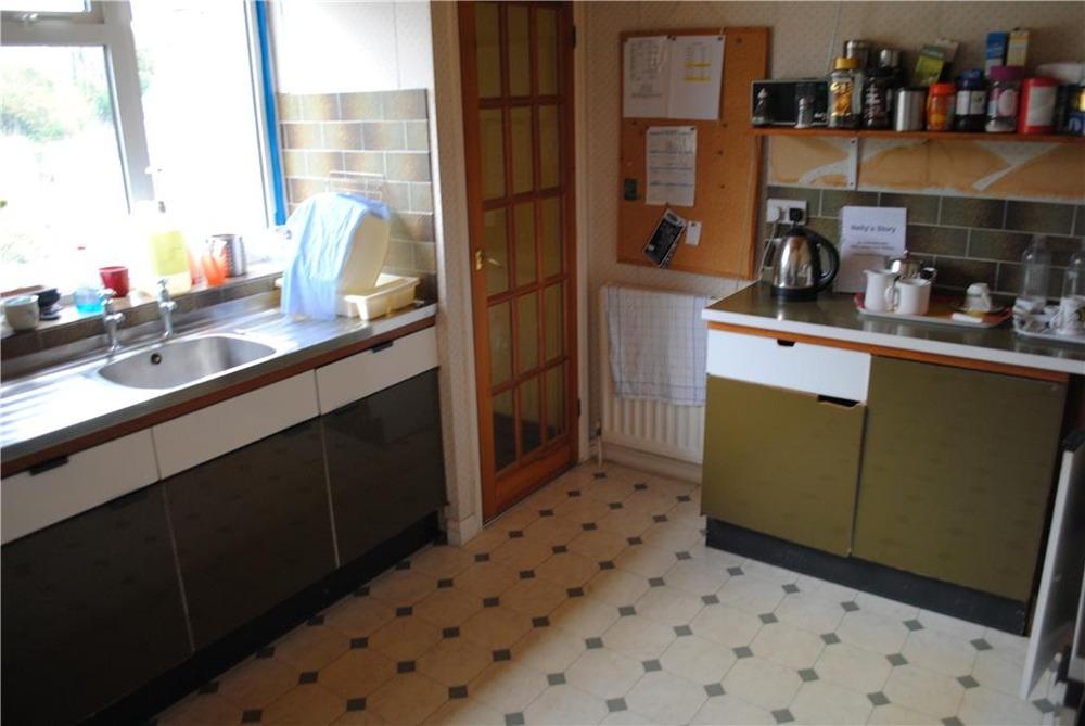Howdens Kitchen Installation X Kitchen Fitting Job In Bath Avon Mybuilder