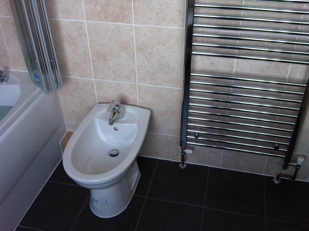Bathroom Fitter, Tiler, Kitchen Fitter in Trowbridge