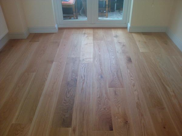 Laminate flooring laminate flooring leicester uk for Wood flooring leicester