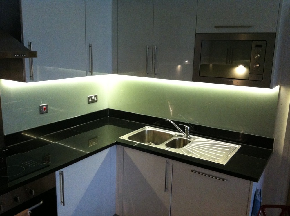 Kluk construction ltd 97 feedback bathroom fitter for Kitchen led lighting