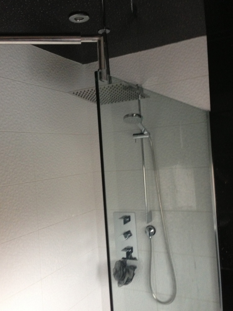 Signature Tubs Tiles 100 Feedback Bathroom Fitter Tiler Kitchen Fitter In Leicester