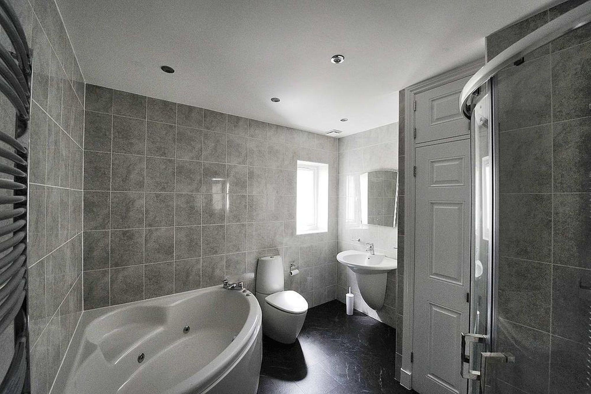 Removal internal walls and bathroom refurbishment - Job of ...