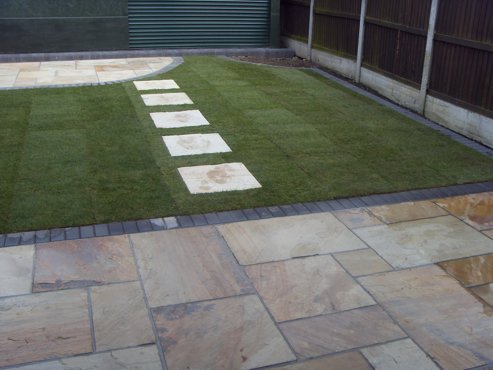 Lee Charles Building And Landscaping: 100% Feedback