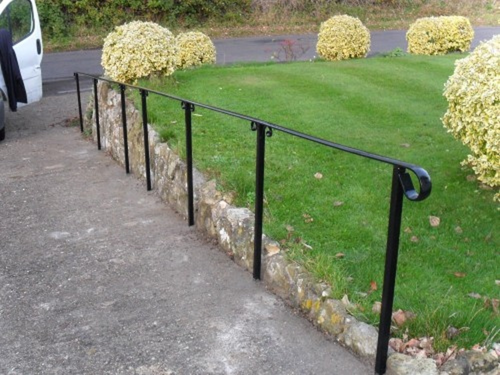 Fit Metal Handrail To Outdoor Steps Landscape Gardening